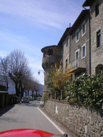 italiainpiega-pieghe meravigliose-itinerari-moto-centro-italia-garfagnana-castelnuovo di garfagnana 2