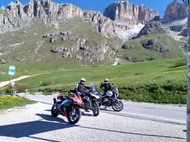 italiainpiega-pieghe meravigliose-itinerario moto nord italia-lago di braies-passo pordoi 2