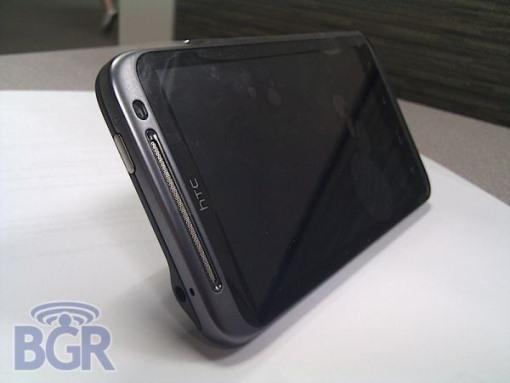 Htc iPhone4 002 HTC lavora a un terminale misterioso con schermo da 4,3 pollici e fotocamera da 8 mp per contrastare iPhone 4