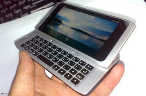 NokiaN9 001 500x331 Nokia N9, il design del primo prototipo ricorda molto i MacBook di Apple