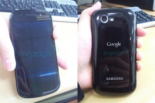 Google Nexus S  001 500x333 Eric Schmidt: Il CEO di Google mostra il nuovo Nexus S e parla di Chrome OS