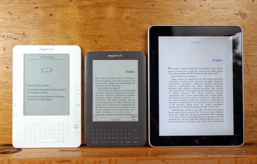 Kindle3 ipad 0001 500x319 Amazon: Kindle 3/DX in soli due mesi ha venduto oltre 2 milioni di esemplari