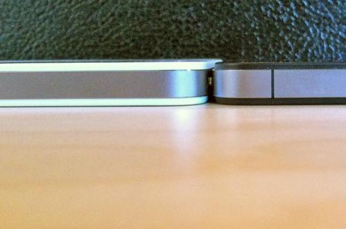 164154 tumblr lkdqkyjHla1qa45ly LiPhone 4 bianco sembrerebbe essere più spesso del modello nero