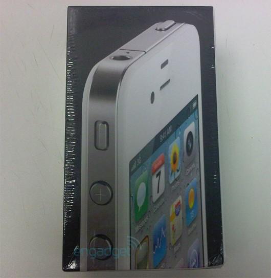 apple white iphone 4 vodafone2 530x543 LiPhone 4 bianco sta per arrivare, mostrate le prime immagini reali