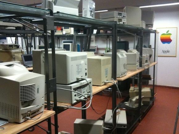 smontaggio2 800 All About Apple: il museo informatico ligure dedicato ad Apple cambia sede