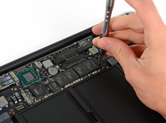 fixit1 540x400 Nei nuovi MacBook Air si può sostituire il disco SSD