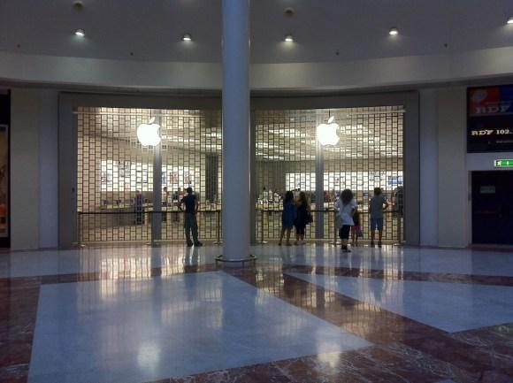 foto 1 580x433 Oggi inaugura il nuovo Apple Store I Gigli