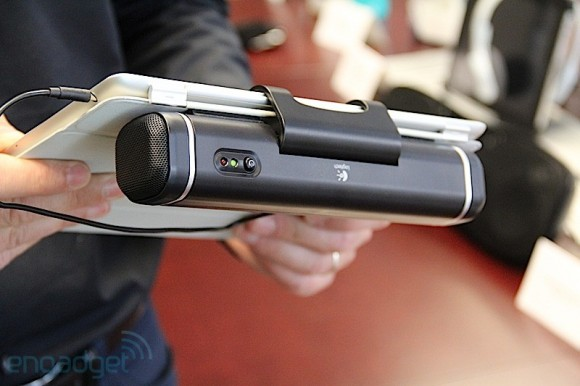 img7183 580x386 Logitech lancia Clip On! I nuovi speaker per iPad