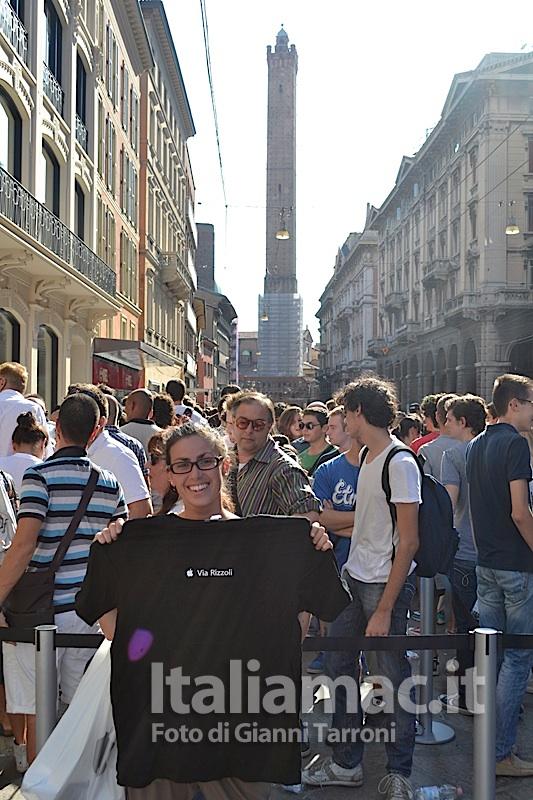 Maglia omaggio Il reportage di Italiamac dallApple Store di Bologna