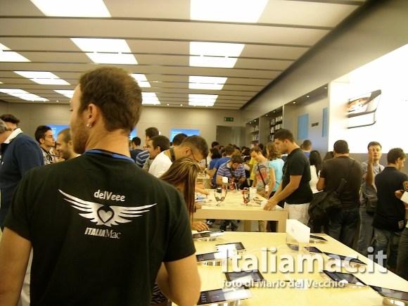 italiamac applestorecampania 14 580x435 Inaugurazione Apple Store Campania, il reportage di Italiamac e la galleria fotografica *Aggiornato