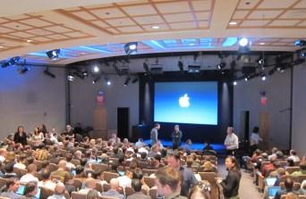 %name Un po di foto dentro il Campus di Apple.