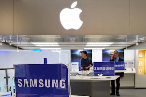 applesamsung Samsung accusa Apple di abusare dei brevetti, come se la coreana non lo facesse. Google intanto se ne tiene fuori