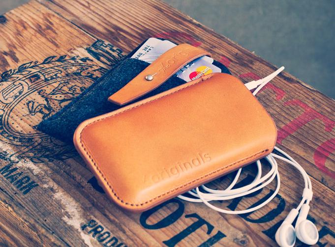 product originals iphonewallet bckgrnd1 Nuovo iPhone, nuova custodia Mujjo creata sui rumor!