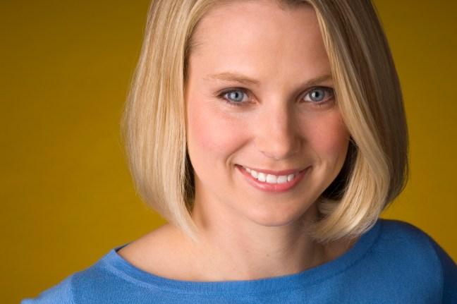 Marissa Mayer CEO di Yahoo Yahoo! si svecchia: acquista Tumblr, ridisegna Flickr e approda su iOS 7