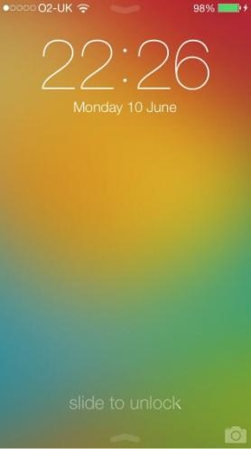 La schermata di blocco e la Home di iOS 7 Apple presenta iOS 7, una carrellata delle novità più importanti