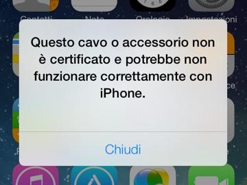 iOS 7 riconosce i cavi Lightning non originali iOS 7 riconosce i cavetti Lightning e accessori non originali e lo segnala allutente