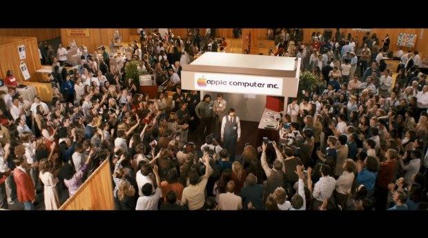 jobs film italiamac 017 620x346 Galleria fotografica con i frame del film Jobs in uscita il 16 agosto 2013 in America