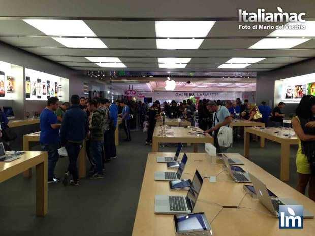 DayOne iPhone 5c 5s Nizza 07 620x465 Italiamac a Nizza, la coda della mattina del DayOne allApple Store