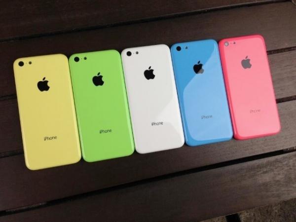 iPhone 5C La luce di Cupertino illuminerà due nuovi iPhone? Apple ufficializza levento del 10 settembre