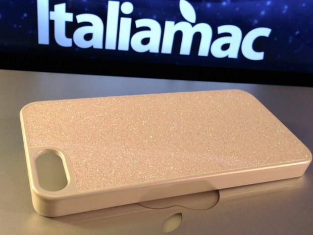 Italiamac Puro Glitter 03 620x465 Abbiamo provato la Glitter Cover di Puro per iPhone 5