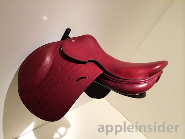 sella rossa Il MacPro Product (RED) in edizione limitata è stato venduto per un milione di dollari