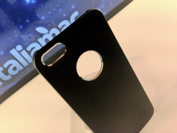 Aiino Italiamac Cover iPhone 009 620x465 Abbiamo provato le cover Aiino Steel (con parti in alluminio) e Rubber (materiale plastico)