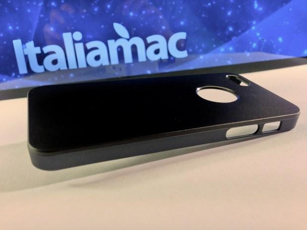 Aiino Italiamac Cover iPhone 010 620x465 Abbiamo provato le cover Aiino Steel (con parti in alluminio) e Rubber (materiale plastico)