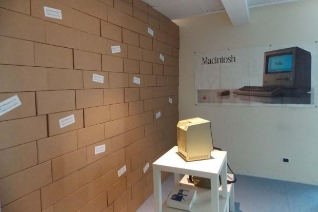 AAA 1611 620x413 All About Apple: presentata la nuova sede a Savona del museo Apple più fornito del mondo