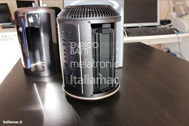 Apple MacPro Black Italiamac 006 620x413 Abbiamo provato il nuovo Mac Pro, il gioiello nero di Apple. Impressioni e galleria fotografica.