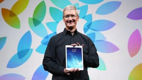 tim cook ipad 620x348 Apple: Tim Cook elogia liPad durante una conferenza