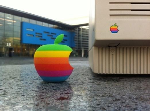3d printed apple logo 620x461 Una stampante 3D tra le idee innovative dellAzienda di Cupertino