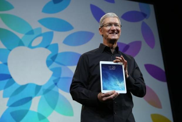 apple tim cook ipad air 620x415 LiPad si conferma il top nel mercato dei tablet con ottimi risultati