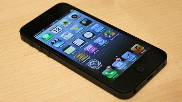 iphone 5 620x348 Apple avvia un programma di sostituzione gratuita della batteria per iPhone 5