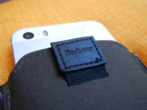 DSCN1190 620x465 Proporta: Una Custodia a pochette per iPhone 5s /5 in tessuto originale Barbour