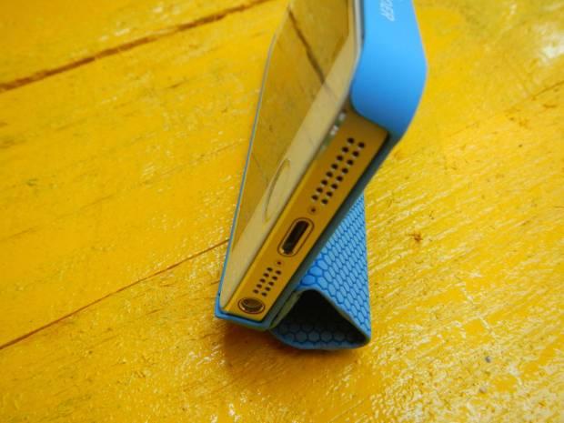 mobilefun4 620x465 Una Custodia Smart Cover magnetica con supporto per iPhone 5s / 5