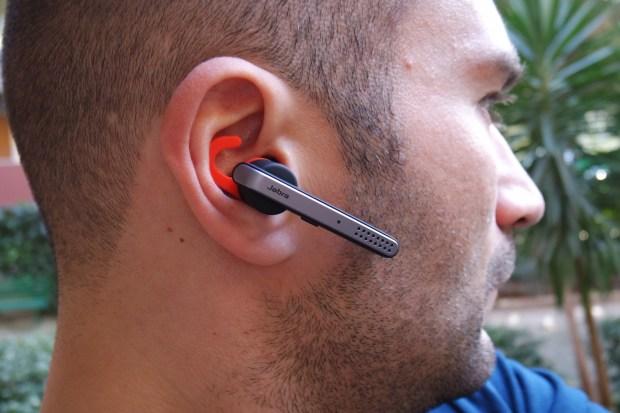 jabra2 620x413 Jabra Stealth, comodo auricolare con tecnologia Bluetooth 4.0, che offre chiamate nitide con audio in alta definizione, mostrato nel corso dell IFA 2014