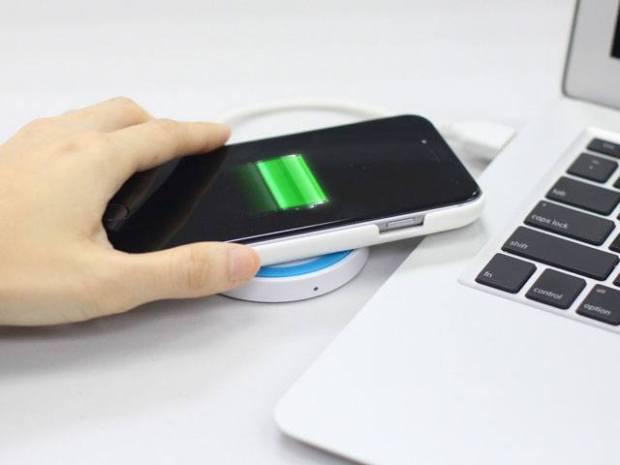 Foto 17 12 14 21 41 53 Cover case con batteria integrata e ricarica wireless per iPhone 6