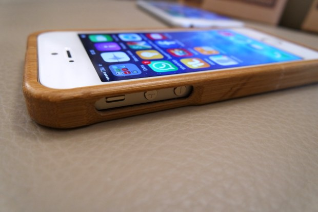SAM 0129 620x413 Eco Store: una collezione di cover per iPhone in 100% Bamboo