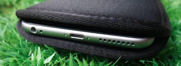 Crumpler cover neoprene  Crumpler Smart Condo 100, una cover a pochette per iPhone 6 Plus