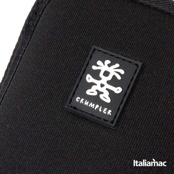Crumpler cover neoprene nero Crumpler Smart Condo 100, una cover a pochette per iPhone 6 Plus