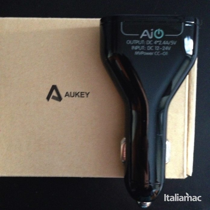 aukey car charger usb quad port 21 La prova di Aukey Quad USB Port Car Charger, caricatore da auto per smartphone