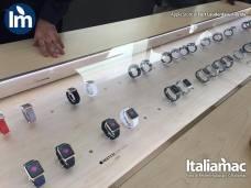 %name Foto di Apple Watch e nuovo MacBook allApple Store di Fort Lauderdale, Florida (USA)