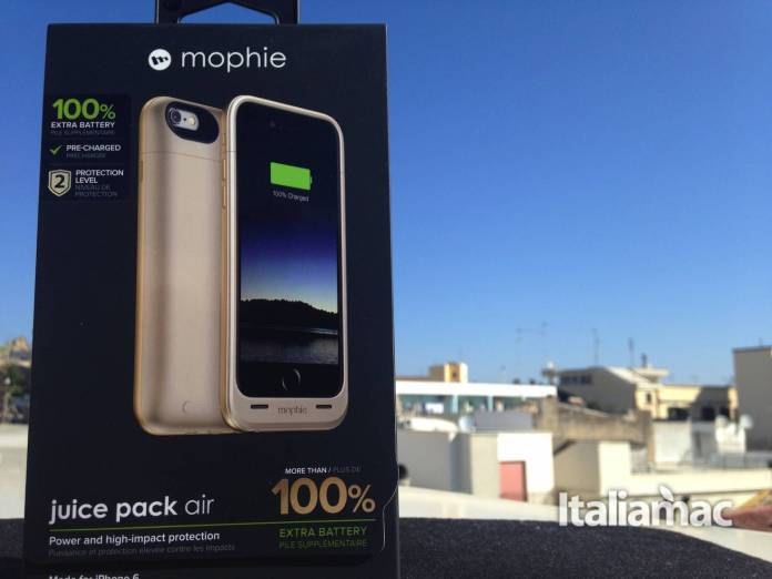 mophie juice pack air confezione Mophie Juice Pack air, la cover con batteria integrata per iPhone 6