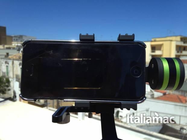 lanparrte con iphone 620x465 Handheld Gimbal, lo stabilizzatore di Lanparte dedicato a iPhone e GoPro