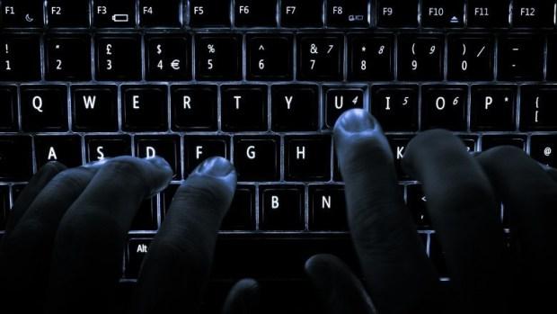 backlit keyboard 780x439 620x349 19 utili Shortcut per lAvvio da utilizzare con il vostro Mac
