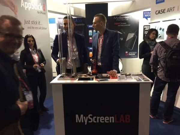 img 1569 MyScreenPROTECTOR la pellicola protettiva per smartphone resistente agli urti più violenti