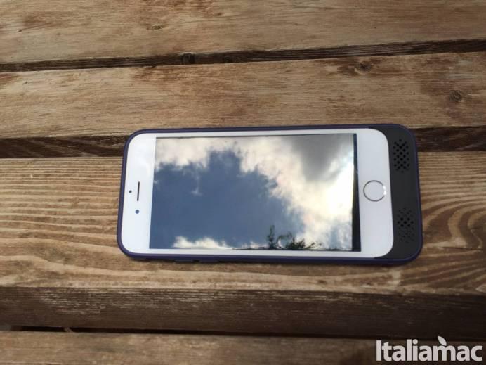 %name Cover Batteria di Ugreen per iPhone: 3100mAh per non rimanere mai senza batteria