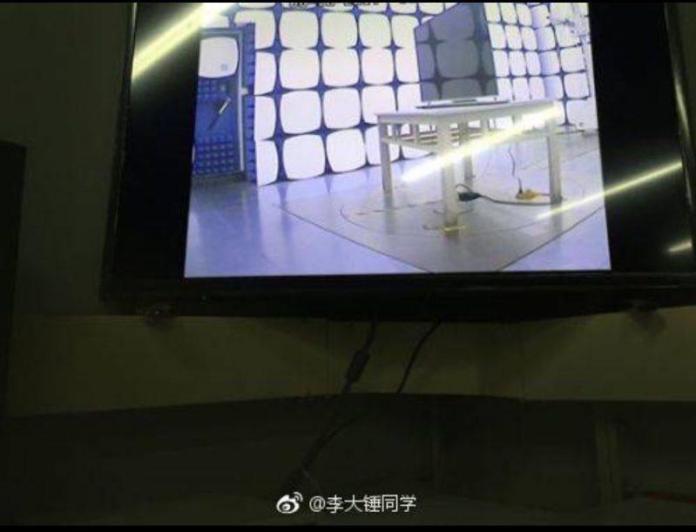 www.italiamac.it apple tv set 3 2 800x611 Apparse online le foto della TV Apple con schermo OLED