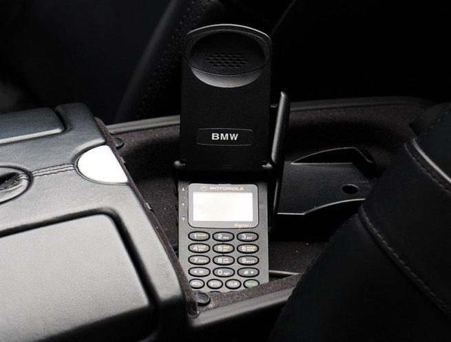 www.italiamac.it allasta la bmw z8 di steve jobs valore stimato 400000 bmw phone Allasta la BMW Z8 di Steve Jobs; valore stimato $400,000