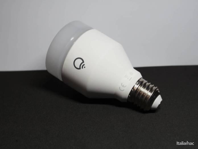 www.italiamac.it lifx a60 la lampadina a led da 75w compatibile con homekit pc200020 LIFX A60: La lampadina a LED da 75W compatibile con HomeKit